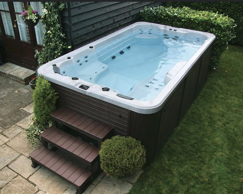scunthorpe_South-Pacific-Swim_hot_tub_025.jpg